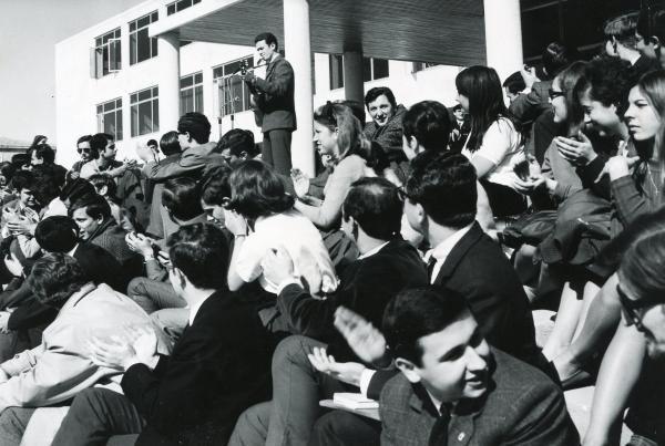 1965.1
