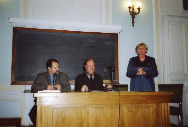 2001.1